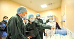 Un equipo de científicos de la OMS investigan el origen del coronavirus en Wuhan.