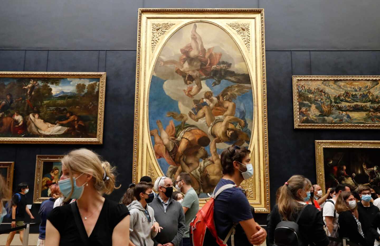 Reapertura del Louvre en París