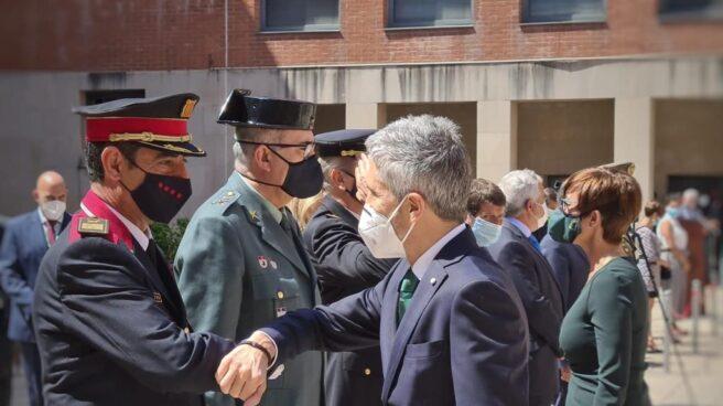 Fernando Grande-Marlaska y Josep Lluis Trapero, en la presentación del nuevo jefe de la Guardia Civil en Cataluña.