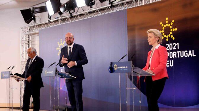 """La UE cree que suspender patentes """"no es la solución"""" y apela a las exportaciones"""