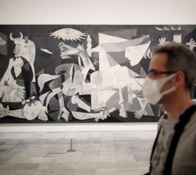 La política de 'museos abiertos' eleva al Reina Sofía y al Prado entre los más visitados del mundo en 2020