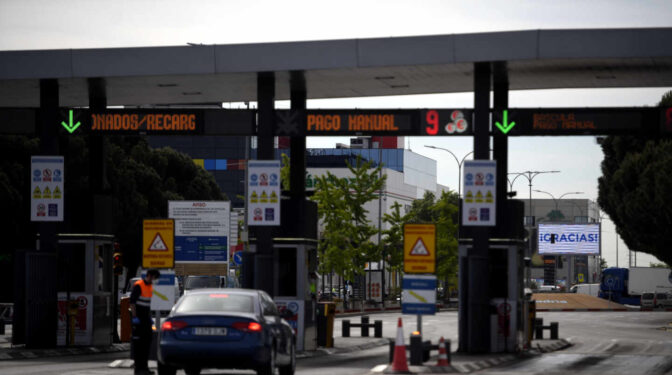 Cataluña pagará 30 millones por las autopistas rescatadas y reclama un peaje de viñeta