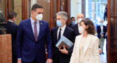 Pedro Sánchez, Fernando Grande-Marlaska y Carmen Calvo, en el Congreso de los Diputados.