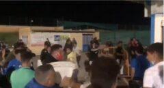 Una multitudinaria pelea en un partido de fútbol en Sevilla termina con decenas de heridos