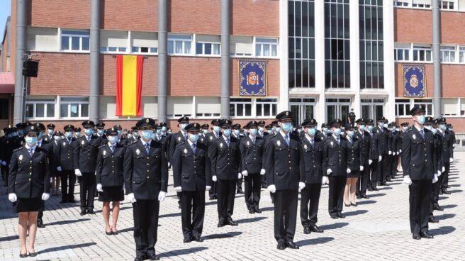 Jura de los policías nacionales nacionales que integraron la última promoción.