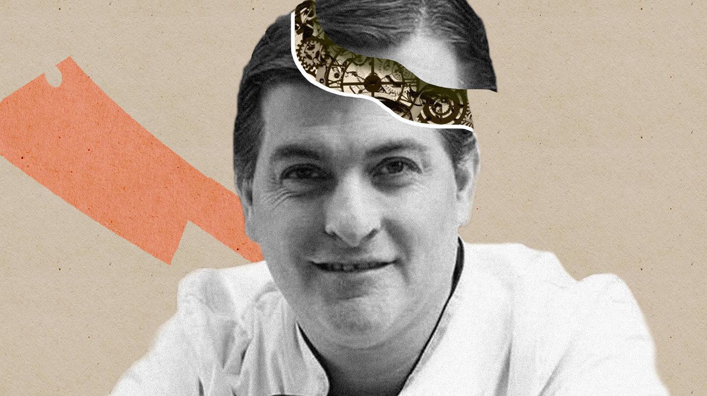 Imagen del rey del cachopo en un montaje con la cabeza abierta y maquinaria de reloj dentro