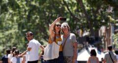 España celebra con prudencia el primer día sin mascarillas