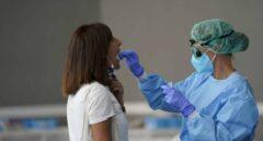 La incidencia cae más de 20 puntos y España suma 133 muertes durante el fin de semana