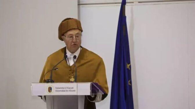 Muere Tomás Llorens, primer director del IVAM y del Museo Reina Sofía