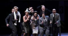 Miembros del elenco de 'Viva la Mamma', en el Teatro Real de Madrid.