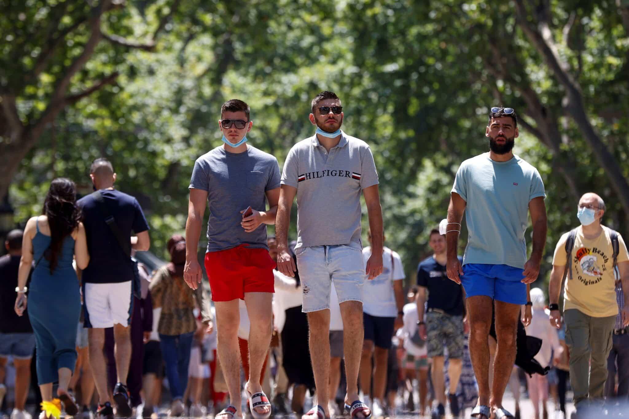 Ambiente en la Rambla de Barcelona este sábado, primer día que no es obligatorio el uso de mascarillas en exteriores.