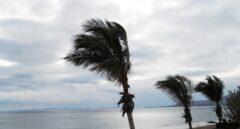 'Reventón seco' en Alicante: lluvia evaporada antes de caer y fuerte viento