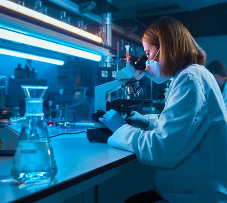 Las aseguradoras donan 10,8 millones de euros a investigación y acción social frente al Covid