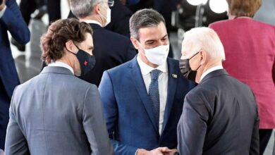 """La 'cumbre de los 26 pasos' de Sánchez con Biden """"hunde"""" la imagen de España hasta la """"irrelevancia"""""""