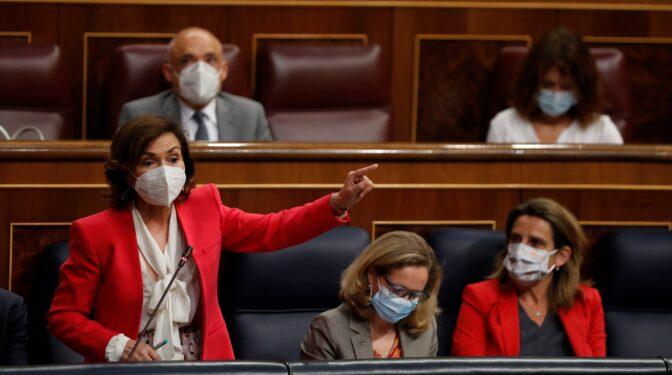 """Carmen Calvo, a Vox: """"El fascismo lleva 200 años repartiendo carnés de nación"""""""
