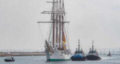 Así ha sido el recibimiento en Cádiz del Juan Sebastián Elcano