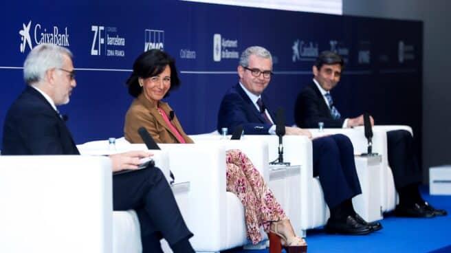 Ana Botín, José María Álvarez-Pallete y Pablo Isla, durante una mesa de dialogo en el Cercle d'Economia.
