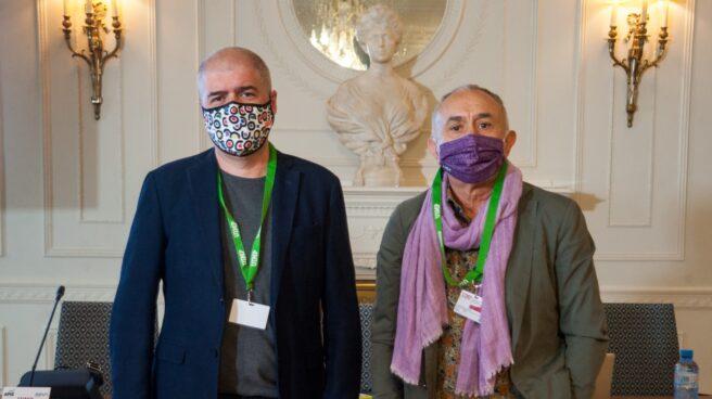 Los secretarios generales de CCOO y UGT, Unai Sordo (izquierda) y Pepe Álvarez (derecha)