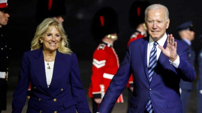 El presidente de EEUU, Joe Biden, y su esposa, Jill, a su llegada a Cornualles