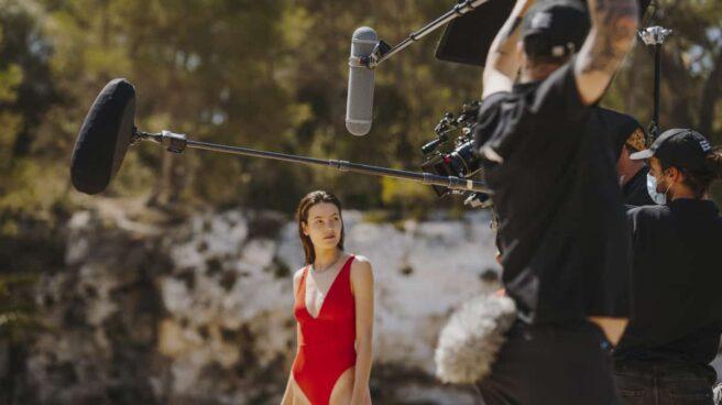 Con 'Amor a primera vista', su campaña estival de 2021, Estrella Damm quiere concienciar a la sociedad sobre la necesidad de proteger el mar Mediterráneo.