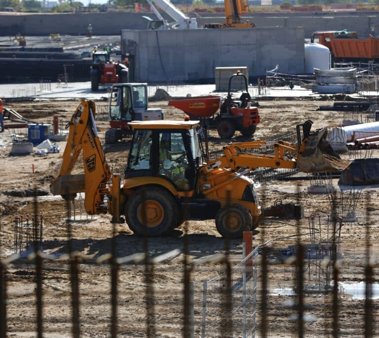 La burbuja de las materias primas amenaza los proyectos de las constructoras