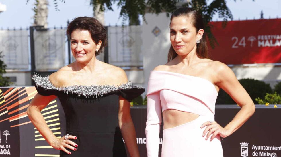 Silvia Abril y Toni Acosta posan en el photocall de la inauguración del 24 Festival de Málaga, a 03 de junio de 2021, en Málaga (España).