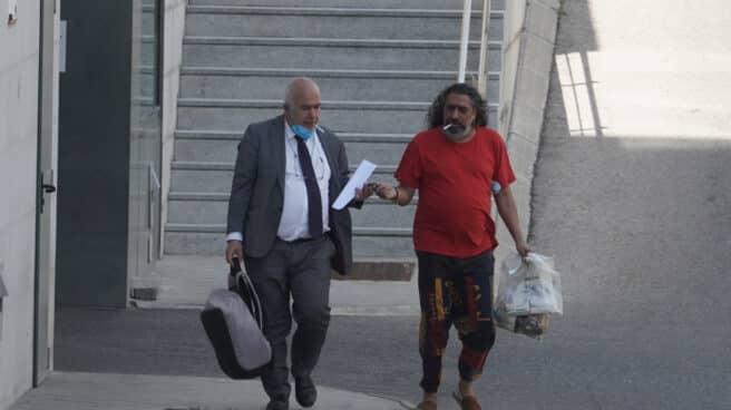 El cantaor Diego 'El Cigala' sale de los juzgados tras quedar en libertad incondicional