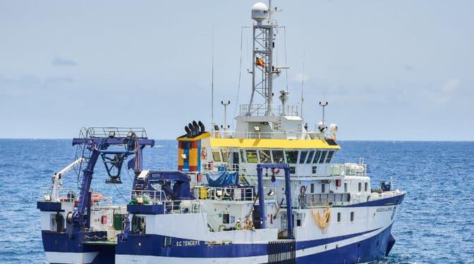 Hallan dos objetos en el mar que pueden ser del padre de las niñas de Tenerife