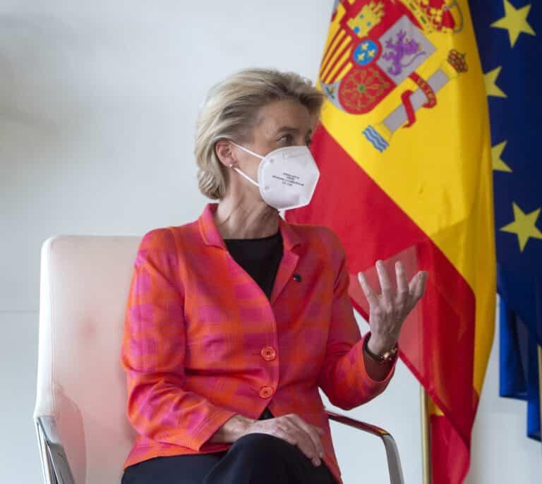 Bruselas exige a España negociar la reforma laboral y de pensiones con sindicatos y patronal