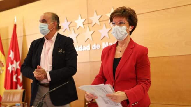 El viceconsejero de Salud Pública y Plan COVID-19 de la Comunidad de Madrid, Antonio Zapatero; y la directora general de Salud Pública, Elena Andradas,.