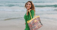 Paz Padilla y Anna Ferrer lanzan su nueva y polémica colección de bolsos