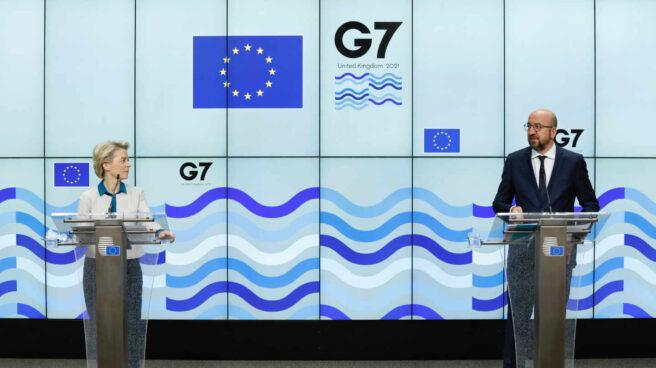 El presidente del Consejo Europeo, Charles Michel, junto a la presidenta de la Comisión Europea, Ursula von der Leyen