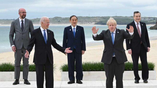 Los líderes de EEUU, Japón, Reino Unido e Italia y el presidente del Consejo Europeo, en la cumbre del G-7 en Cornualles.