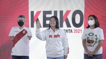 Keiko Fujimori se adelanta a Pedro Castillo en un ajustado recuento en Perú
