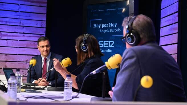 El presidente del Gobierno, Pedro Sánchez, durante su entrevista en 'Hoy por hoy'.