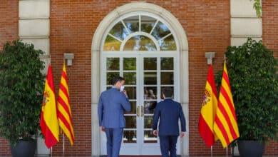 Sánchez y Aragonès intentan ganar tiempo para sostener sus respectivas legislaturas