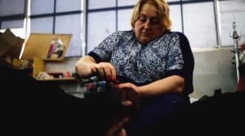 'Redeiras', las tejedoras de redes muestran sus costuras