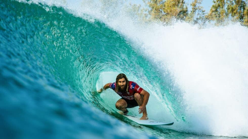 Un surfista durante una competición en Estados Unidos