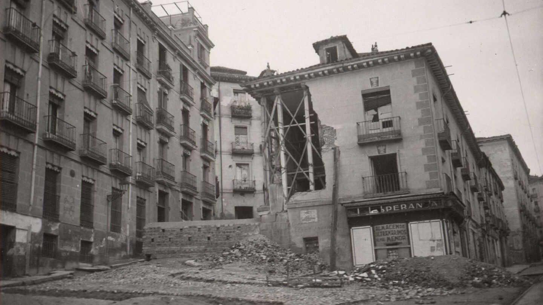 Calle Segovia 16, Madrid, tras el bombardeo de la Guerra Civil