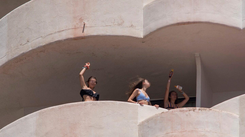 La juez permite salir de los hoteles de Mallorca a los estudiantes que ya han dado negativo
