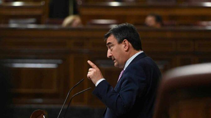 """El PNV rechaza la propuesta de jubilación a los 75 años: """"Que con nosotros no cuenten"""""""