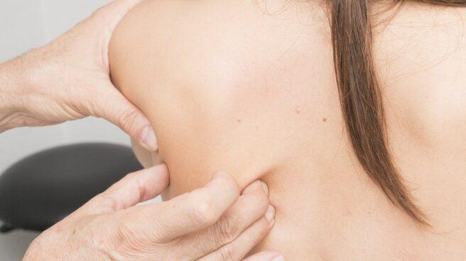 La artroscopia de hombro no solo favorece un diagnóstico precoz, sino que permite resolver el problema en la misma intervención.
