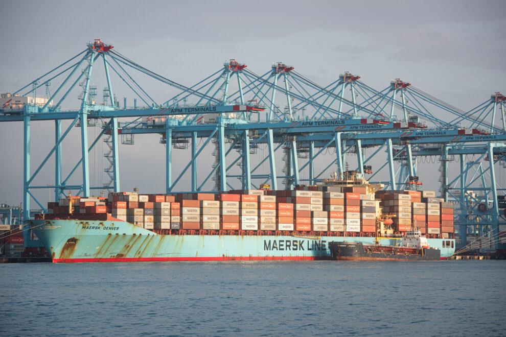Imagen de un buque de contenedores.