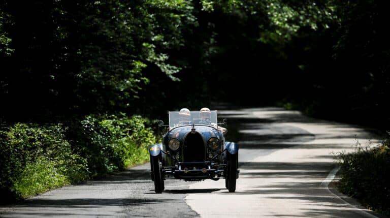 Bugatti T40 de 1929 durante la Mille Miglia (Italia).