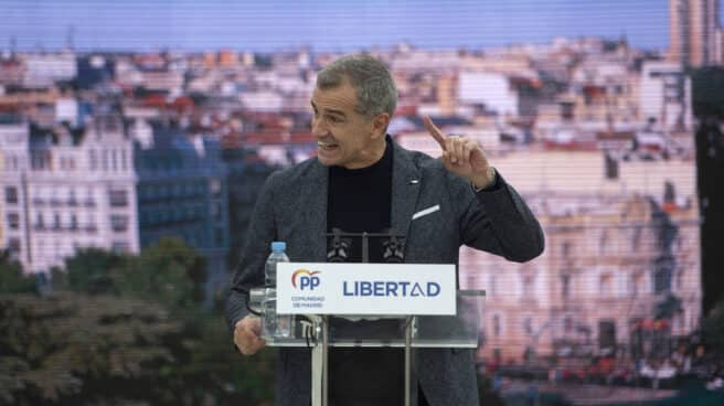 Fotografía de archivo. El ex dirigente de Ciudadanos, Toni Cantó, en un acto de campaña de Ayuso.