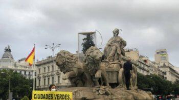 Detenidos varios activistas de Greenpeace en una acción por el Día del Medioambiente