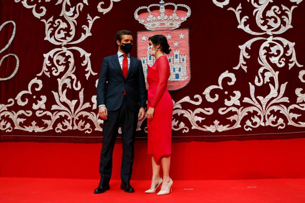 Isabel Díaz Ayuso y Pablo Casado, juntos en la toma de posesión.
