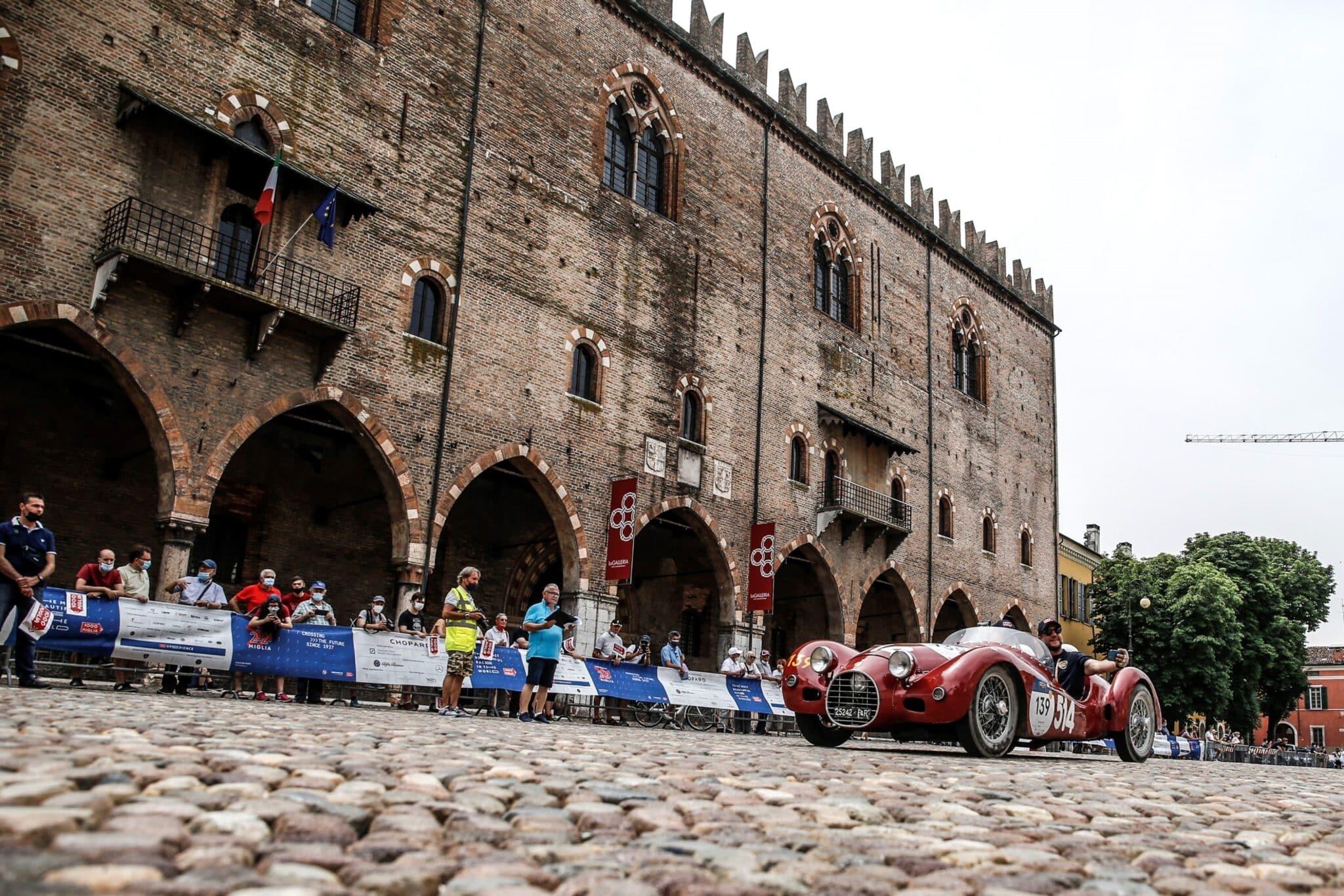 Stanguellini 1100 Sport de 1948 durante la Mille Miglia (Italia).