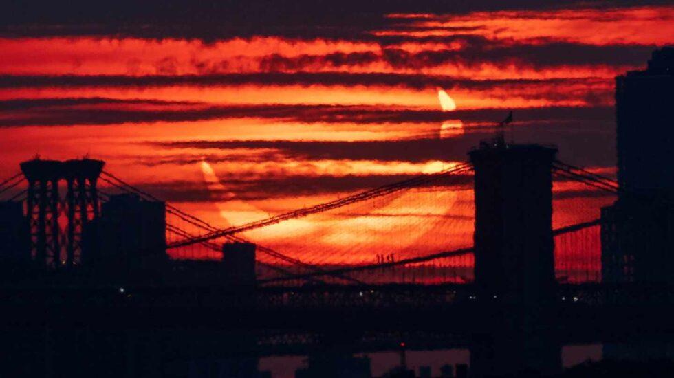 Espectacular imagen de eclipse en Nueva York