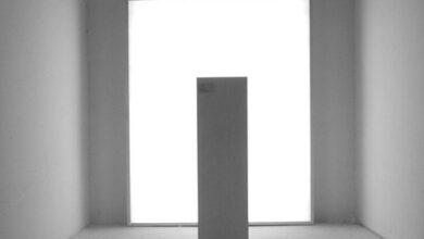 El primer creador de arte invisible es español y no italiano:  Boyer Tresaco, 20 años esculpiendo la ausencia